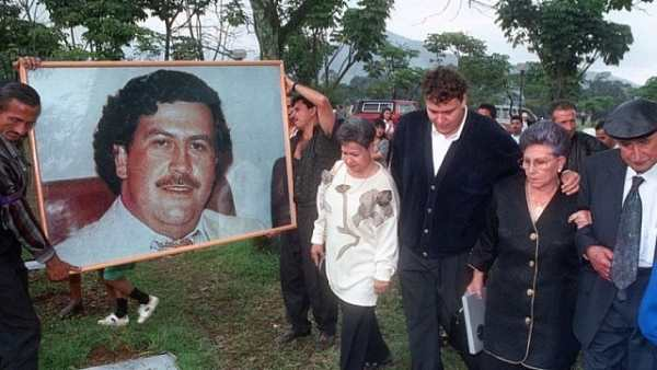 an introduction to the life of pablo escobar Maria victoria henao is the widow of the once notorious drug lord, pablo escobar let's take a look at her childhood, marriage with pablo escobar, later and present life.