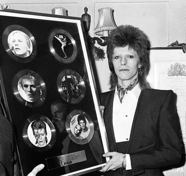 Дэвид Боуи и его пластинки