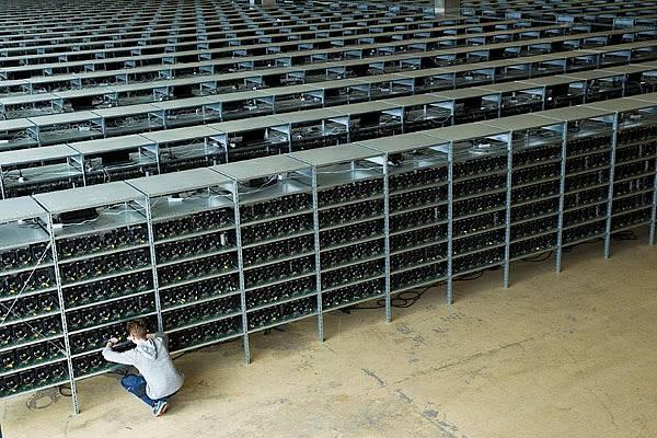 Большая ферма для майнинга биткоинов