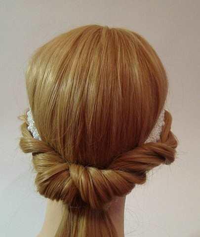 Греческая причёска на выпускной из длинных волос