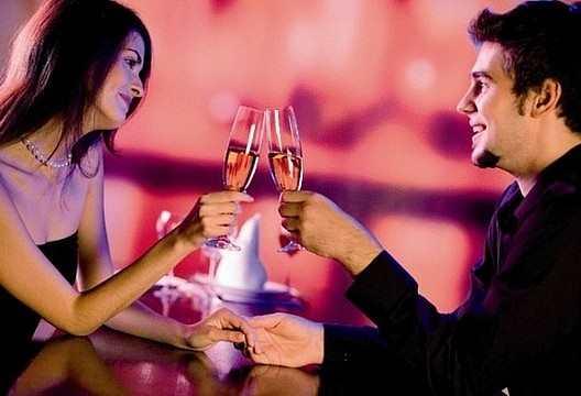 старые как пригласить на свидание богатого мужчину пользуется большой